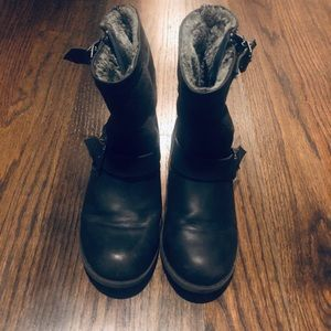 Steve Madden girls lined black boots size 1